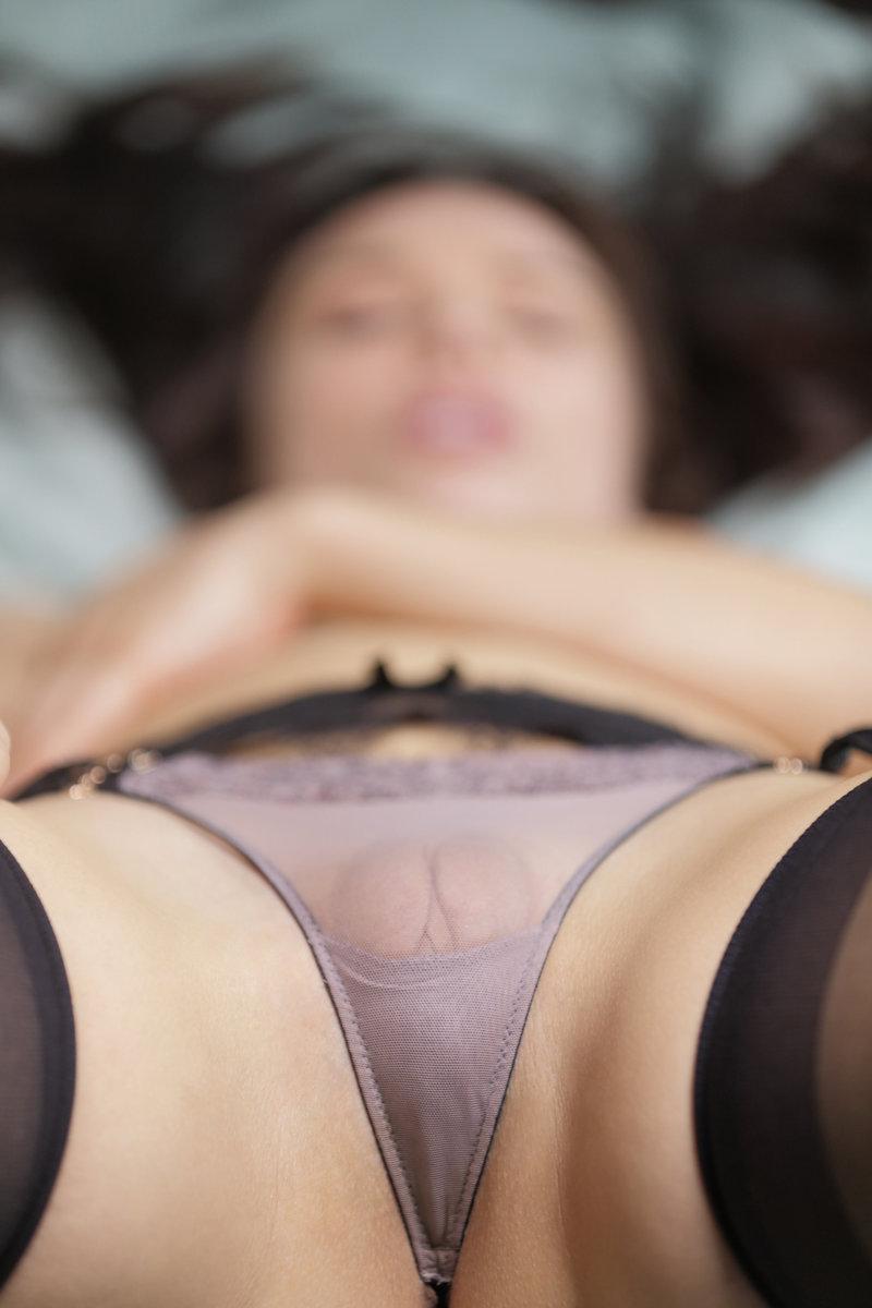 Bad boy gapes Renata Fox in her neat Russian ass photo 3