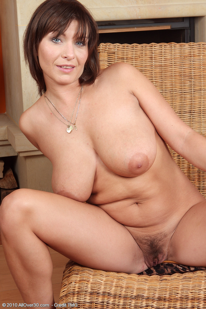 Is cock huge Fay her neighbors Young obsessed Arya with photo 2