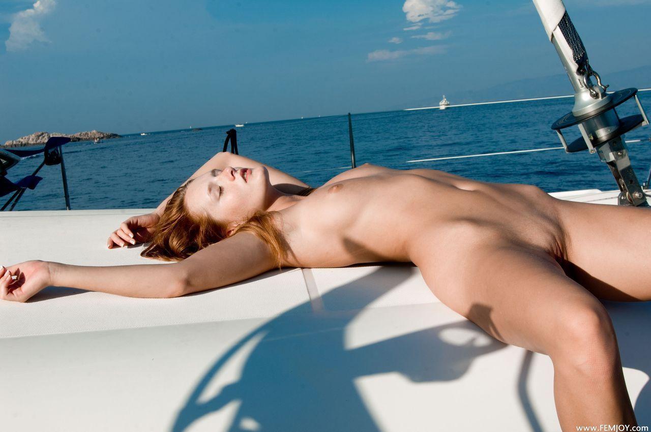 Lara De Santis enjoys strange DP and bukkake with Lauren Minardi photo 3