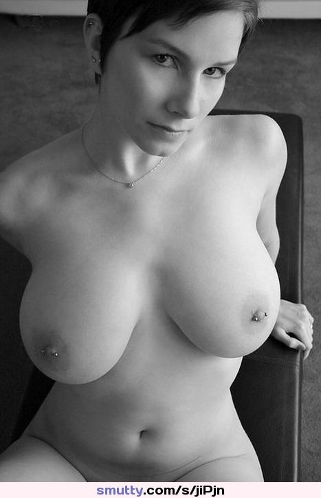 Hot masseuse Ella Nova gives blowjob and fucks tranny Jessica Fox photo 3